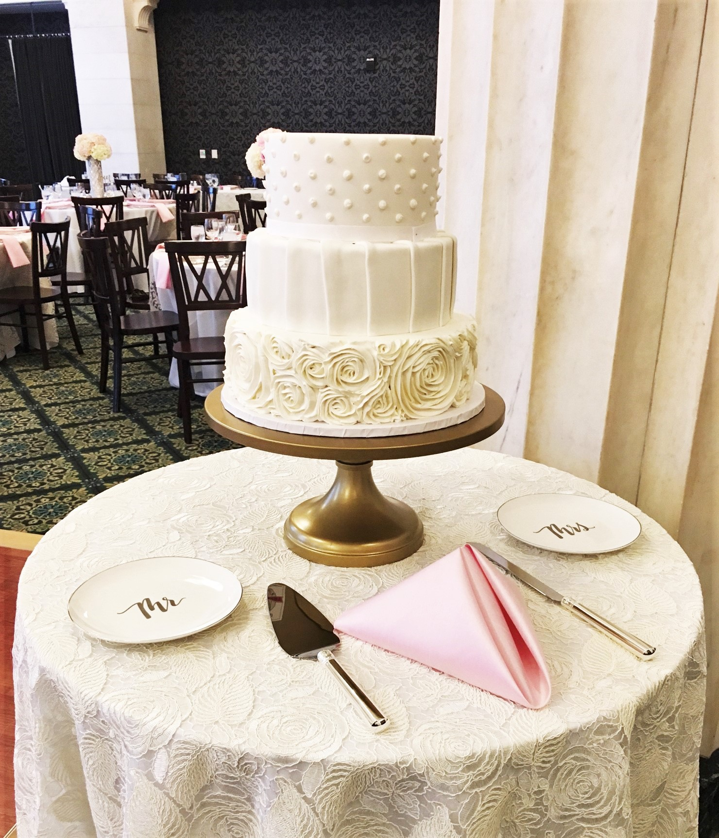 Picture Your Wedding Cake At The Poughkeepsie Grand Hotel